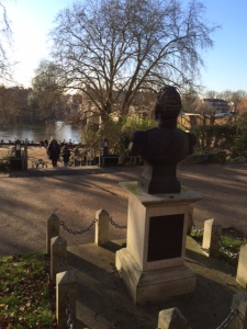 The bust overlooks the River Thames at Richmond